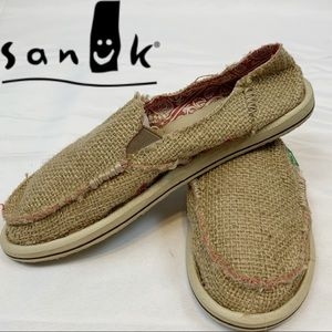 SANUK canvas Slip-On With Red Contrast Stitching